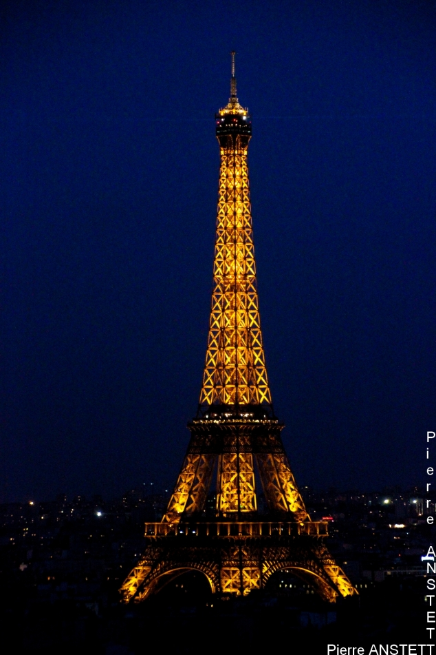 Tour Eiffel at Night